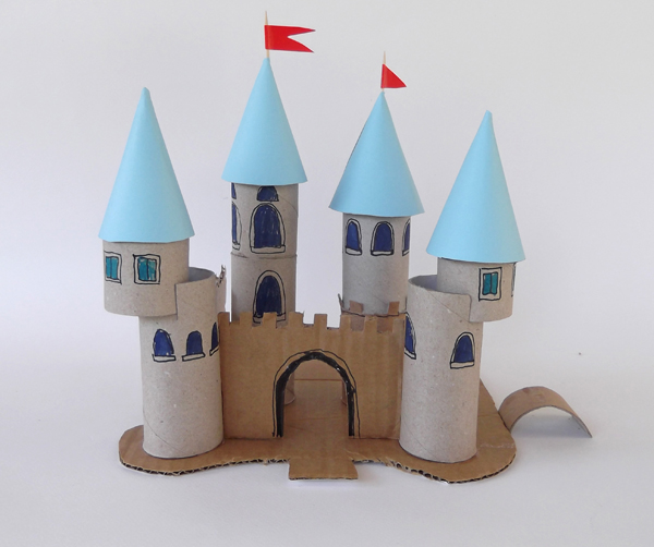 Princess_castle_toilet_paper_roll_01