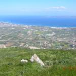 Τα χωριά Λέχαιο, Περιγιάλι, Ασσος, στη μέση του Κορινθιακού το ακρωτήρι του Ηραίου και απέναντι η Στερεά