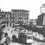 Η πλατεία Συντάγματος γύρω στα 1900. Σπάνια καρτ-ποστάλ από τη συλλογή της Γιούλης Σπαντιδάκη.
