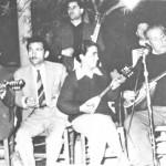 Κερομύτης, Μαγνίσαλης, Μπέλου, Μάρκος, Σαμιώτης (όρθιος), σε κάποιο εξοχικό της Νέας Φιλαδέλφειας το 1953 (;)