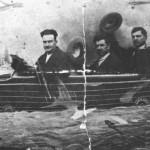 Ο Γιάννης Δραγάτσης με τον σαντουριέρη Κώστα Μπρασάμη και το Βαγγελάκη Σωφρονίου (Αθήνα, 1938).