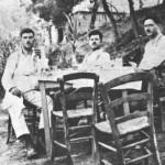 Από τ'αριστερά: Παναγιώτης Κίτρος ή Μακρυκώστας, Κώστας Μπρασάμης και Ζαχαρίας Κασιμάτης (1928).