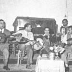 Από τ'αριστερά Σελασίδης (κιθάρα), Κλουβάτος, Σωτηρία Μπέλου, Μητσάρας (ακκορντεόν).