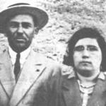 Στιγμιαία φωτογραφία του Βαγγέλη και της Αγγελικής Παπάζογλου. Αγιος Νικόλαος Κοκκινιάς, 1936.