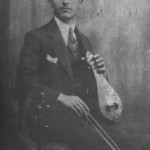 Ο Λάμπρος Λεονταρίδης (γνωστός ως ο Λάμπρος με τη λύρα), στην Ινσταμπούλ το 1916.