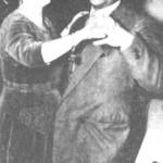 Γιάννης Μαργωμένος, Αννα Χρυσάφη. Γιορτάζουν το σμίξιμο Τσιτσάνη - Παπαϊωάννου, που πραγματοποιήθηκε χάρη στη μεσολάβηση της Χρυσάφη.