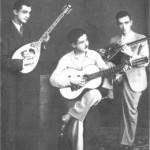 Ο νεαρός Μανώλης Χιώτης με τον Σπαγκαδόρο και τον Σπιτάμπελο το 1938.