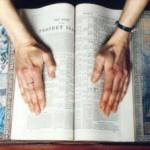 Γλυπτική με βιβλία